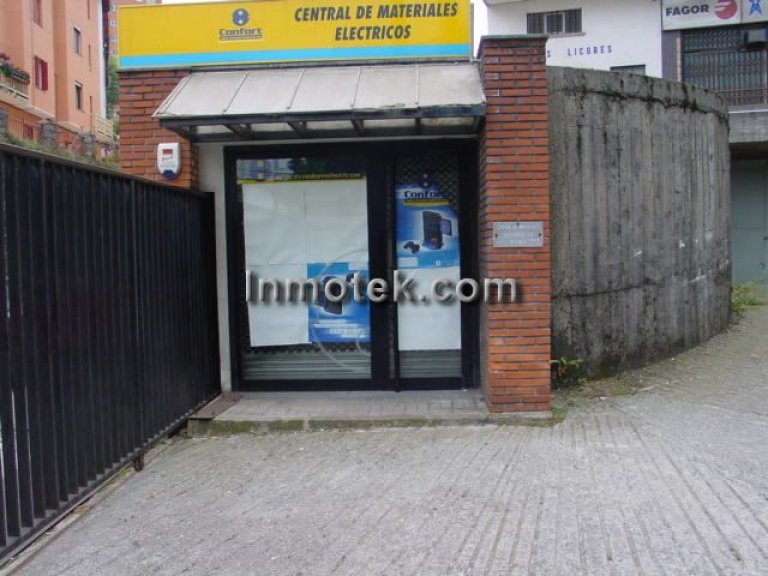 San Sebastian, zona Herrera, local de 1452 m2 propio super, exposición etc...
