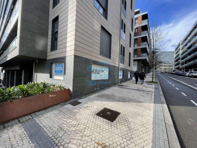 calle lizarra, local/oficina con fachada a la calle lizarra y a la plaza interior