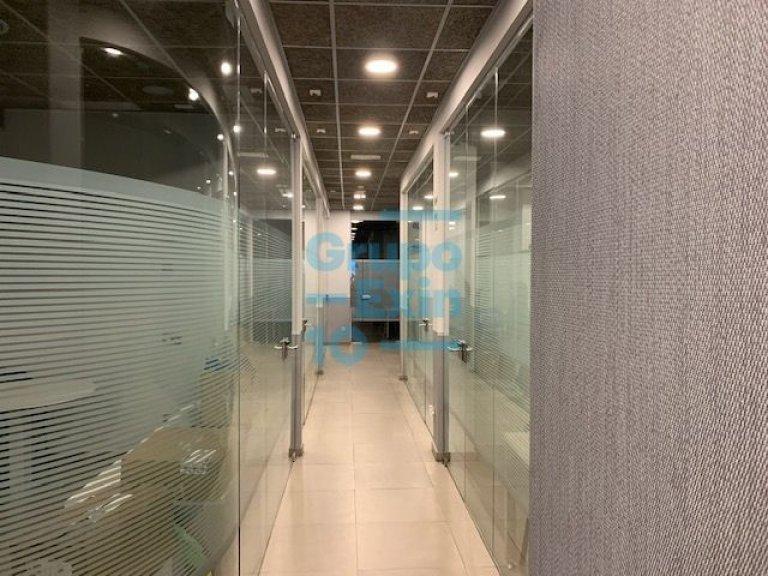 Alquiler de un despacho en centro de negocios de alto standing en pleno centro.