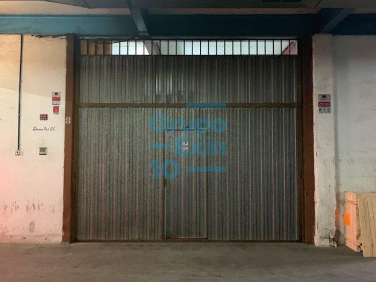 Foto 1 de Nave en sótano del antiguo edificio Bianchi, en c/ Oria, junto a Setalde y Eurolan (Rover)