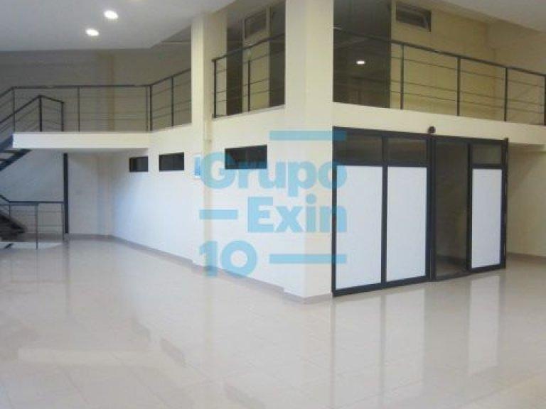 En Portuetxe, vendo oficina o Loft en 2 plantas, nivel calle 73,8 m2 + entreplanta de 48 m2 + garaje para 5 coches