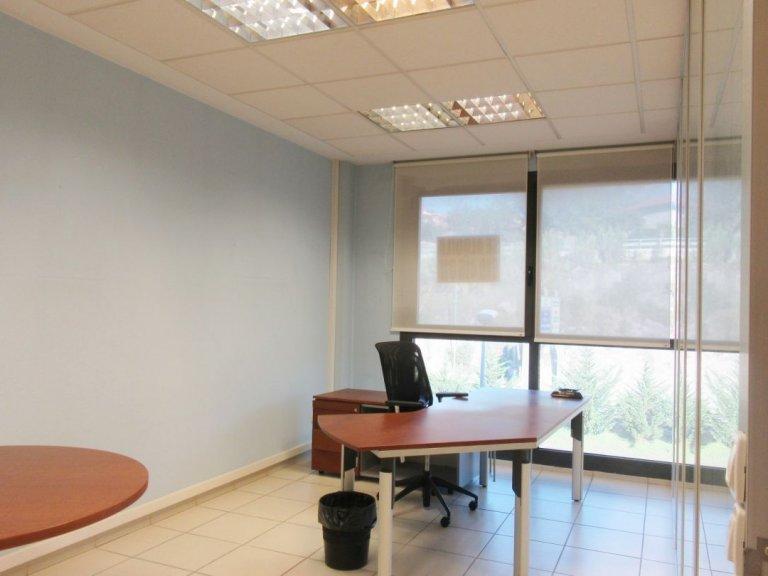 Oficina en edificio representativo con garaje opcional en el mismo edificio.