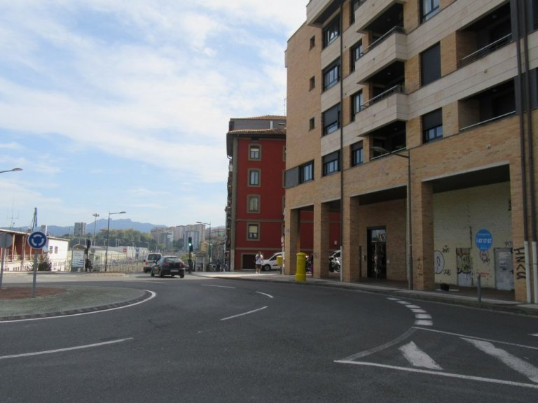 Buenavista se venden o alquilan dos grandes locales de obra.